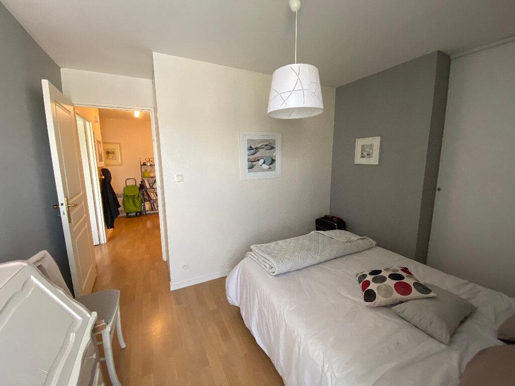 Appartement à louer 3 63.4m2 à Lorient vignette-8
