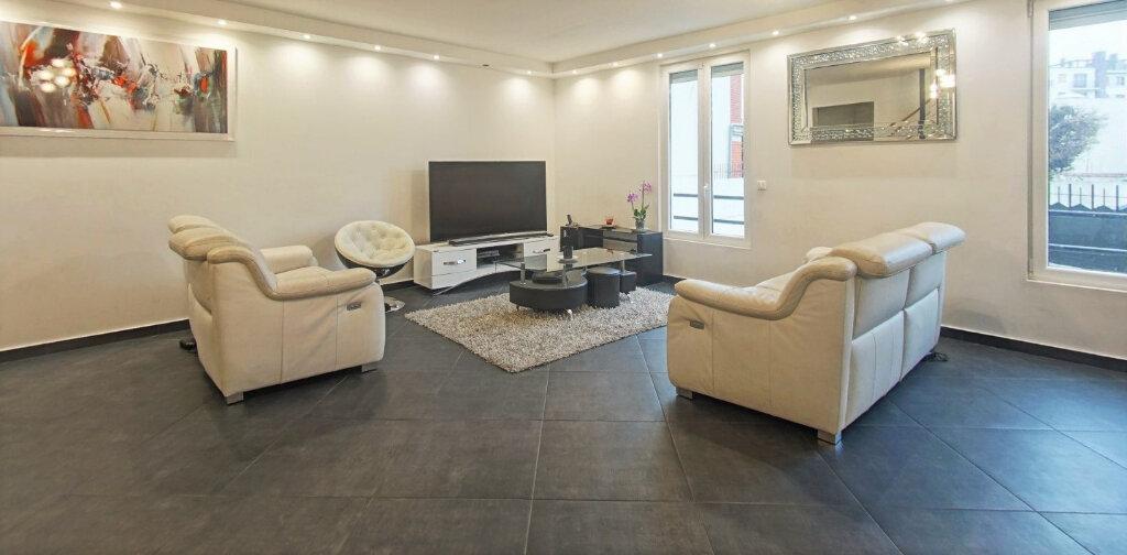 Maison à vendre 7 220m2 à Bagnolet vignette-1