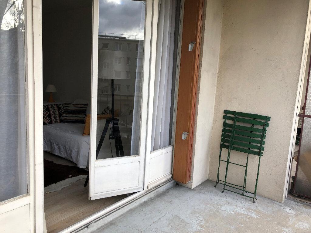 Appartement à louer 2 51.01m2 à Romainville vignette-2