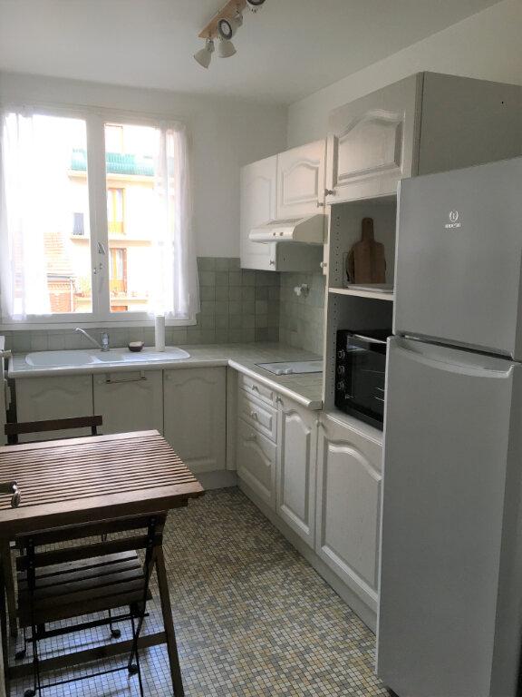 Appartement à louer 2 51.01m2 à Romainville vignette-3