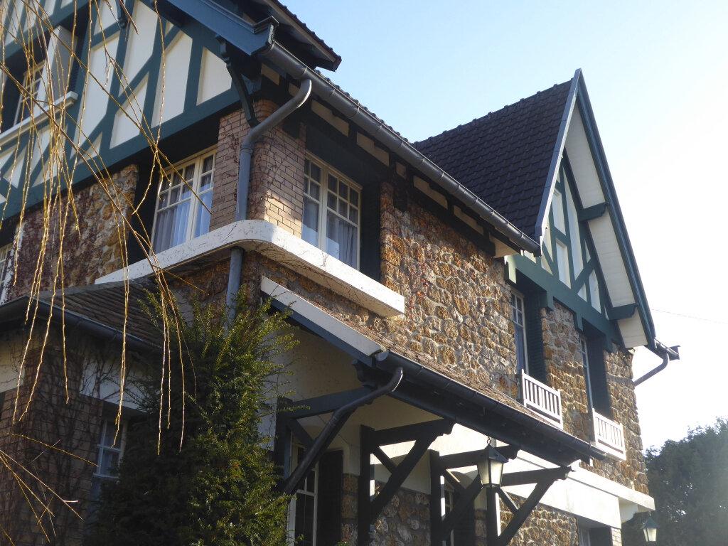 Maison à vendre 9 187m2 à Viroflay vignette-1