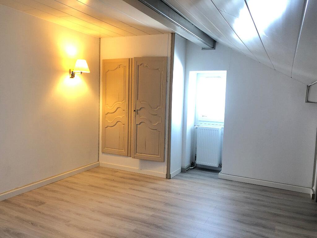 Maison à louer 5 160m2 à Cranves-Sales vignette-2