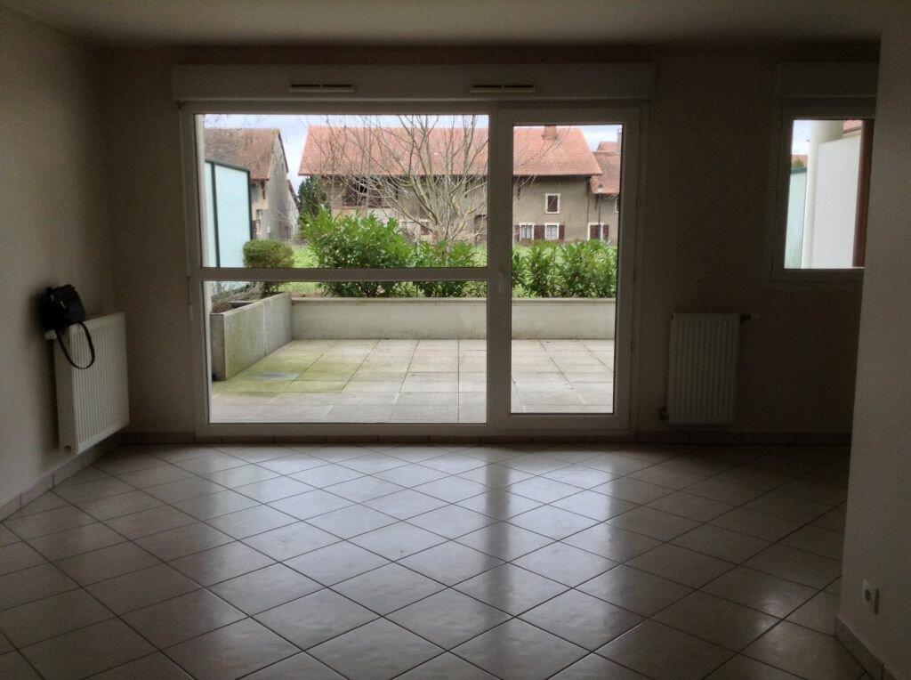 Appartement à louer 2 53m2 à Veigy-Foncenex vignette-3