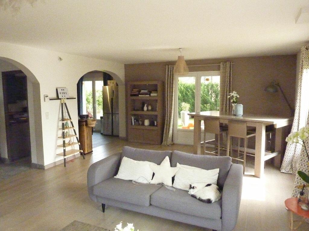 Maison à vendre 4 125m2 à Veigy-Foncenex vignette-1