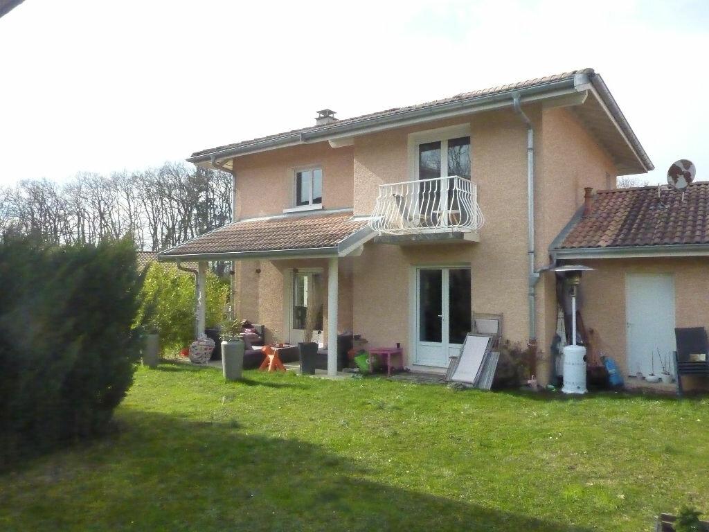 Maison à vendre 4 125m2 à Veigy-Foncenex vignette-6