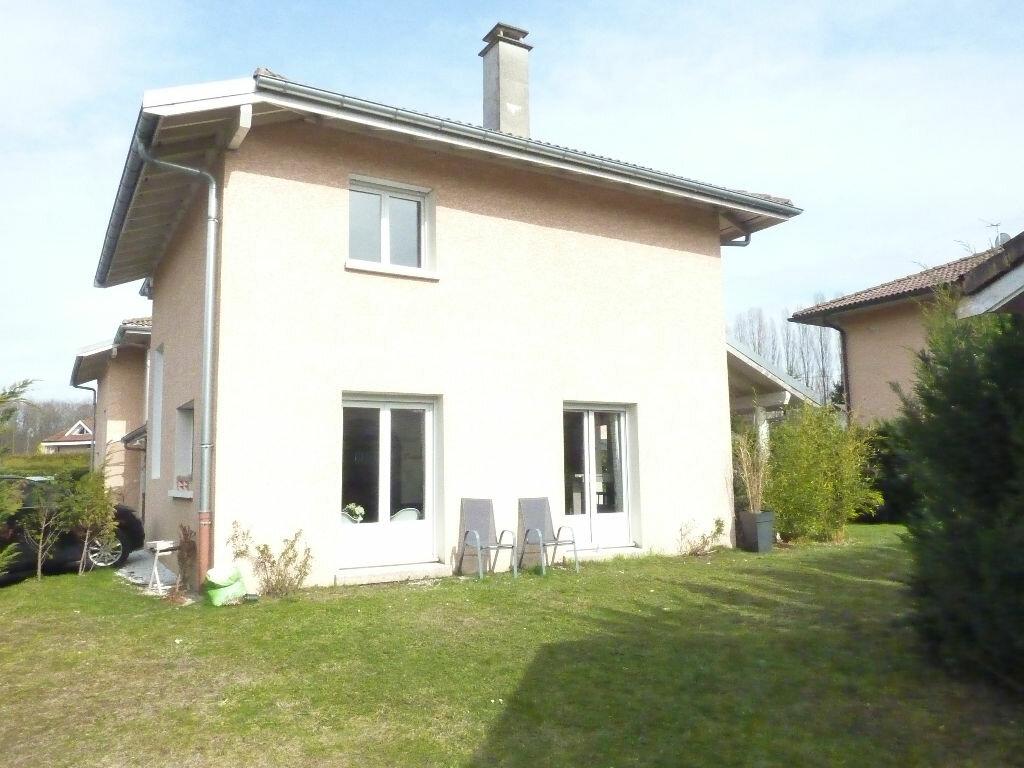 Maison à vendre 4 125m2 à Veigy-Foncenex vignette-7