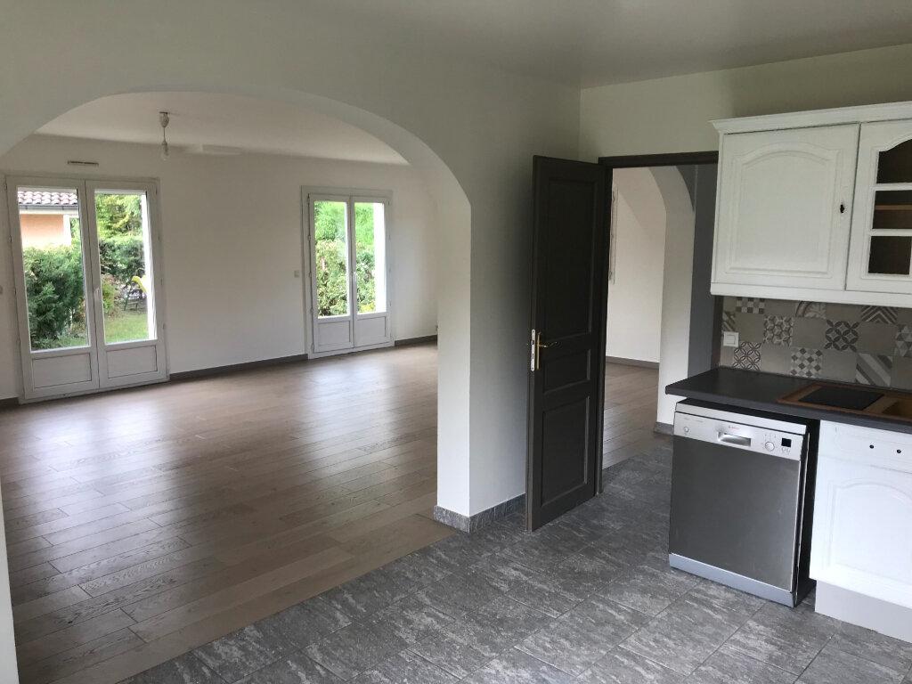 Maison à vendre 4 125m2 à Veigy-Foncenex vignette-8