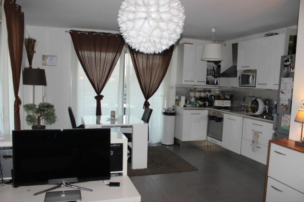 Appartement à louer 3 65.87m2 à Veigy-Foncenex vignette-2