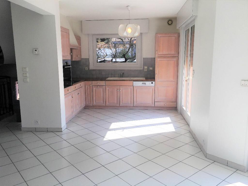 Maison à louer 6 171.65m2 à Saint-Cergues vignette-2
