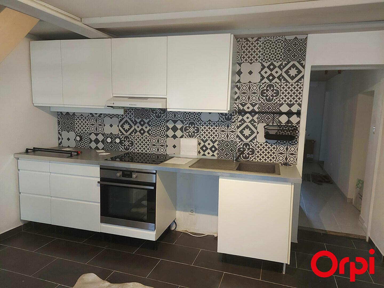 Maison à louer 4 108m2 à Veigy-Foncenex vignette-1