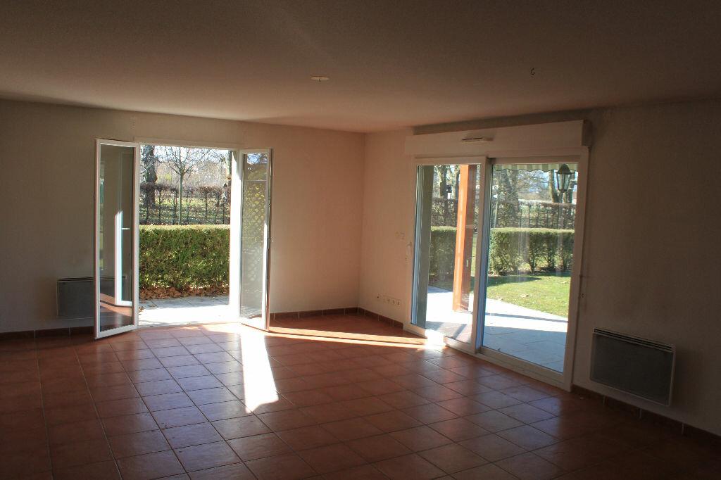 Appartement à louer 5 134m2 à Veigy-Foncenex vignette-2