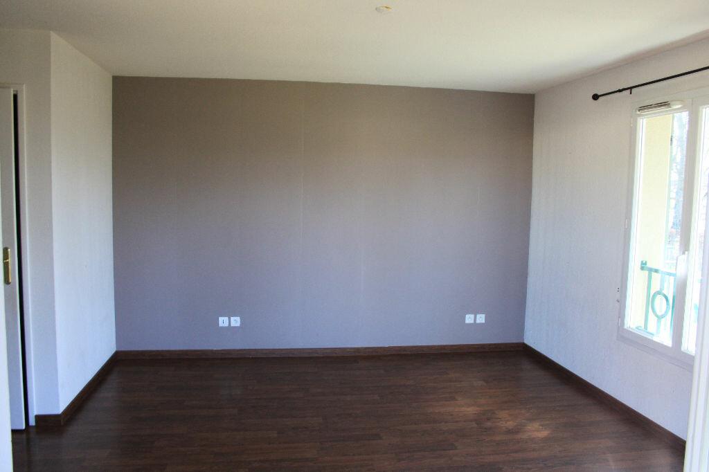 Appartement à louer 5 134m2 à Veigy-Foncenex vignette-4