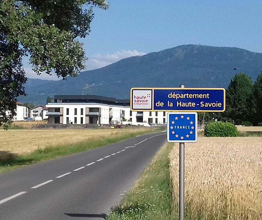 Stationnement à louer 0 13.68m2 à Veigy-Foncenex vignette-1