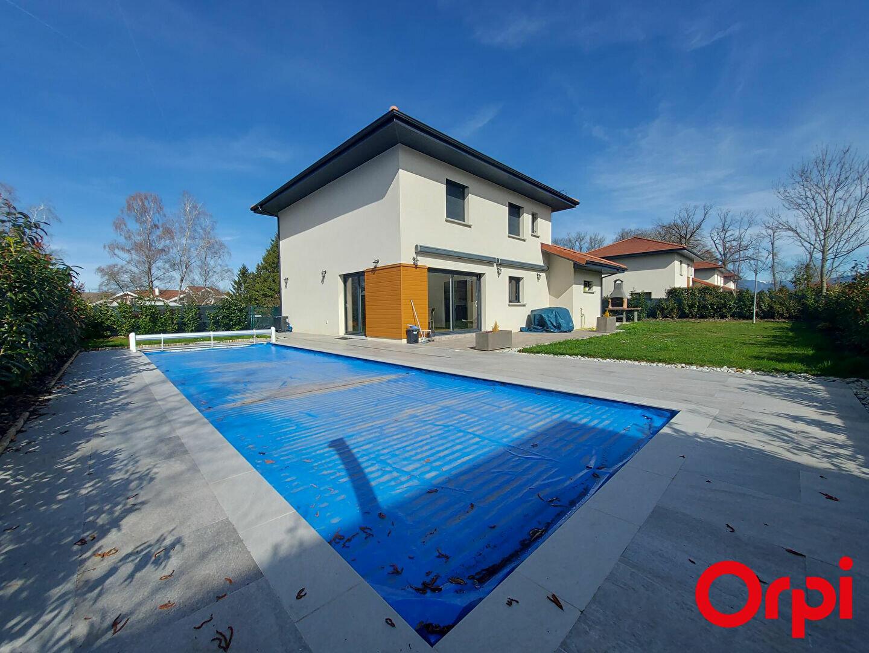 Maison à louer 6 139m2 à Veigy-Foncenex vignette-1