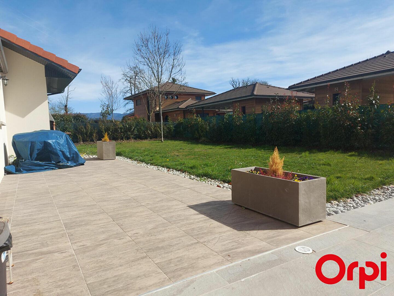 Maison à louer 6 139m2 à Veigy-Foncenex vignette-2