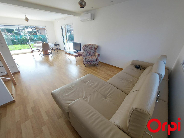 Maison à louer 6 139m2 à Veigy-Foncenex vignette-5