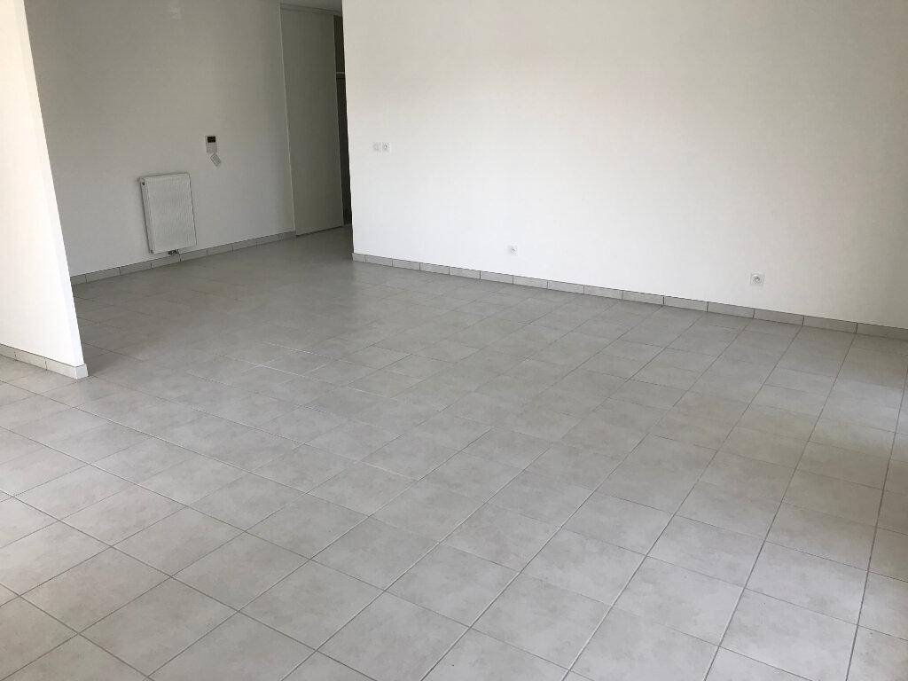 Appartement à louer 3 76m2 à Veigy-Foncenex vignette-2