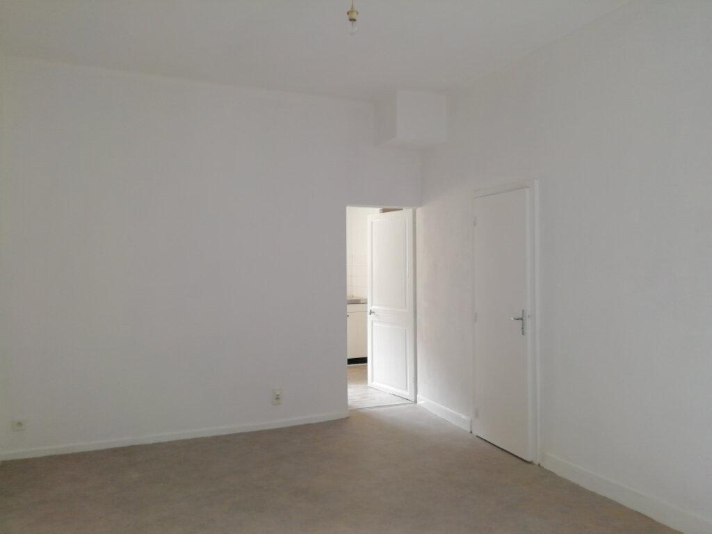 Appartement à louer 1 36.23m2 à Mont-de-Marsan vignette-1