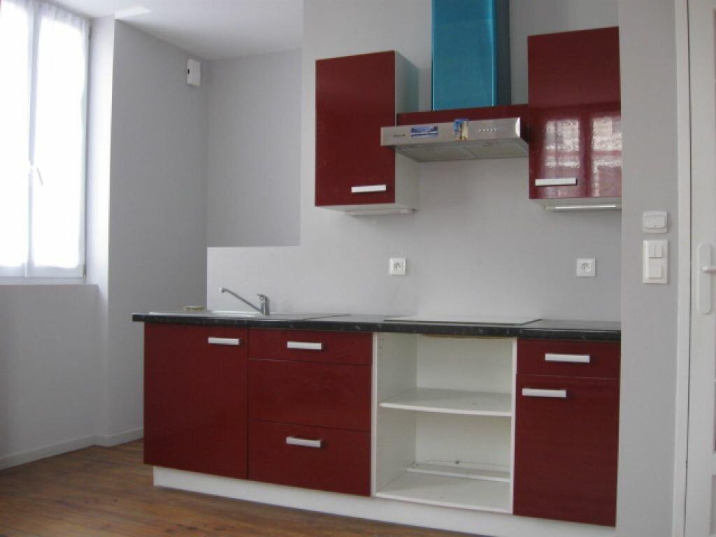Appartement à louer 2 36m2 à Mont-de-Marsan vignette-1