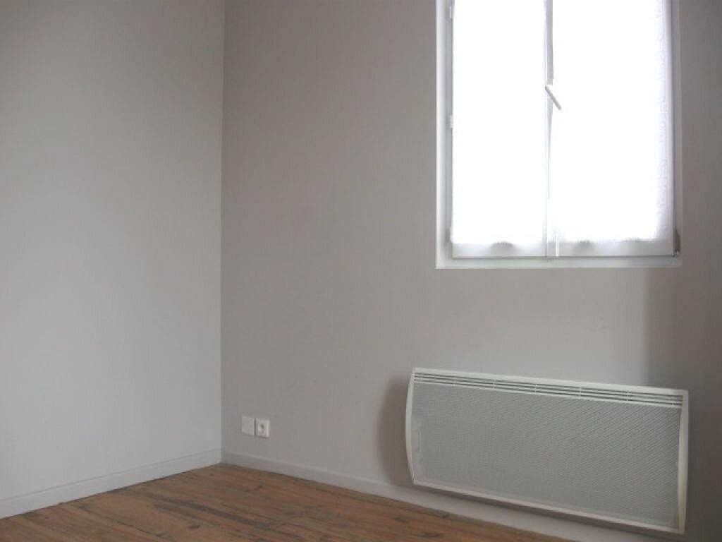 Appartement à louer 2 36m2 à Mont-de-Marsan vignette-2