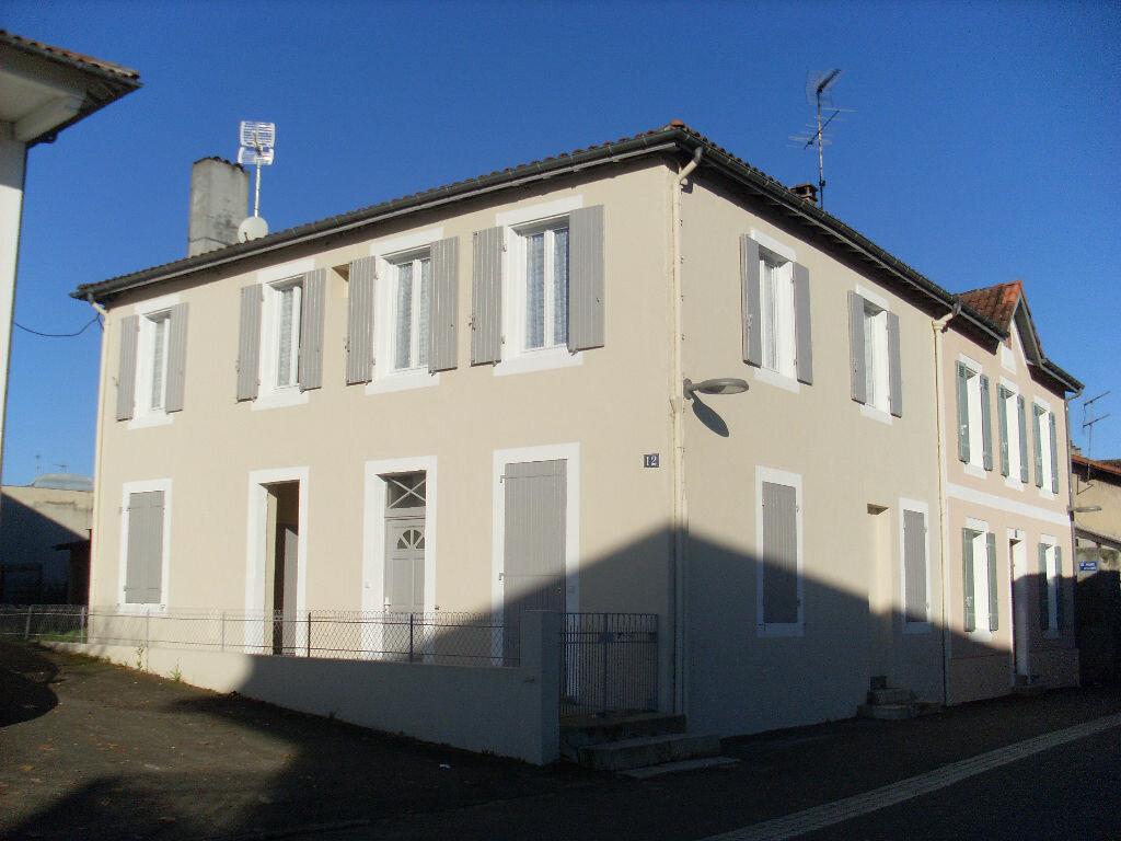 Appartement à louer 2 36m2 à Mont-de-Marsan vignette-7