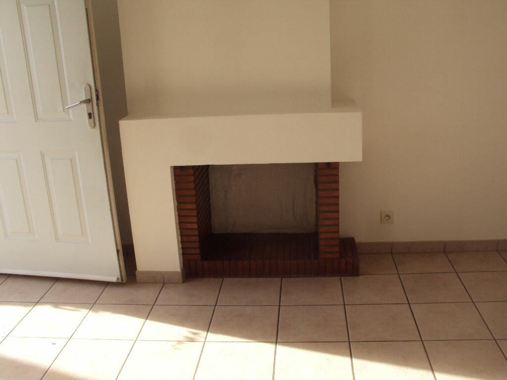 Appartement à louer 3 50m2 à Mont-de-Marsan vignette-5