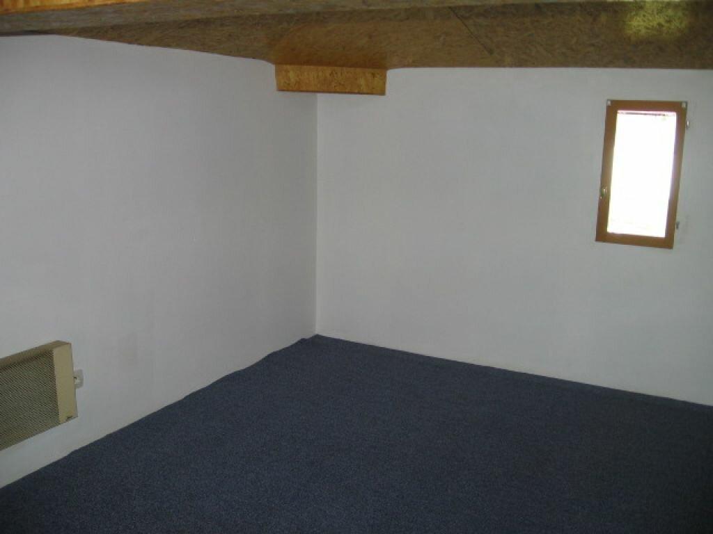 Maison à louer 4 80m2 à Morcenx vignette-4