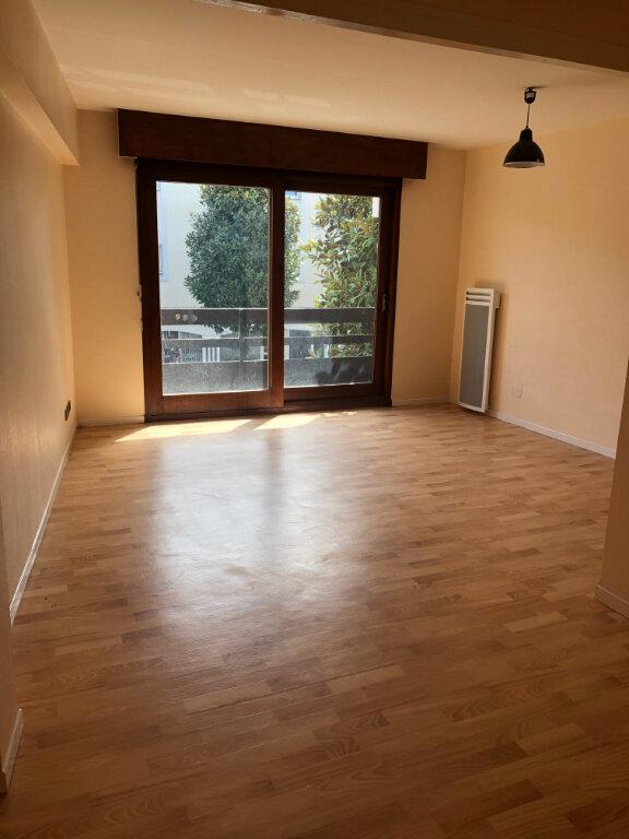 Appartement à louer 1 37m2 à Mont-de-Marsan vignette-1