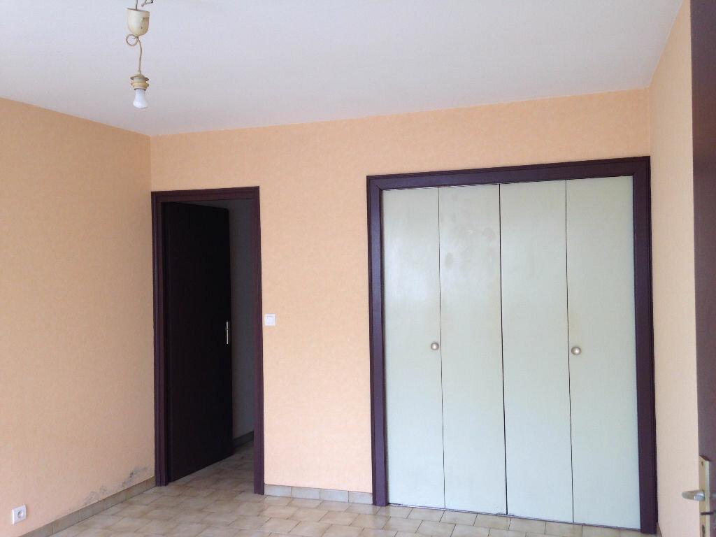 Appartement à louer 1 23m2 à Mont-de-Marsan vignette-2