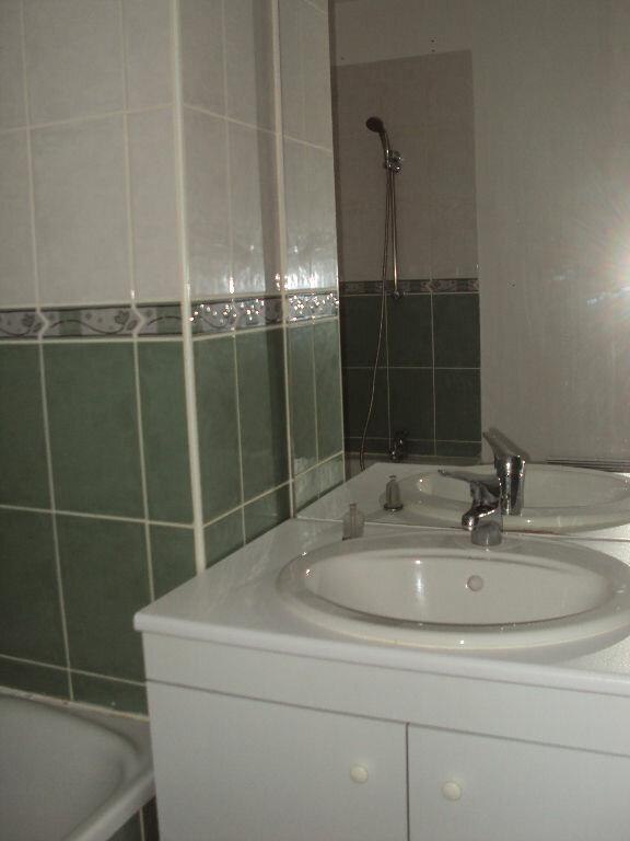 Appartement à louer 2 45m2 à Saint-Pierre-du-Mont vignette-6