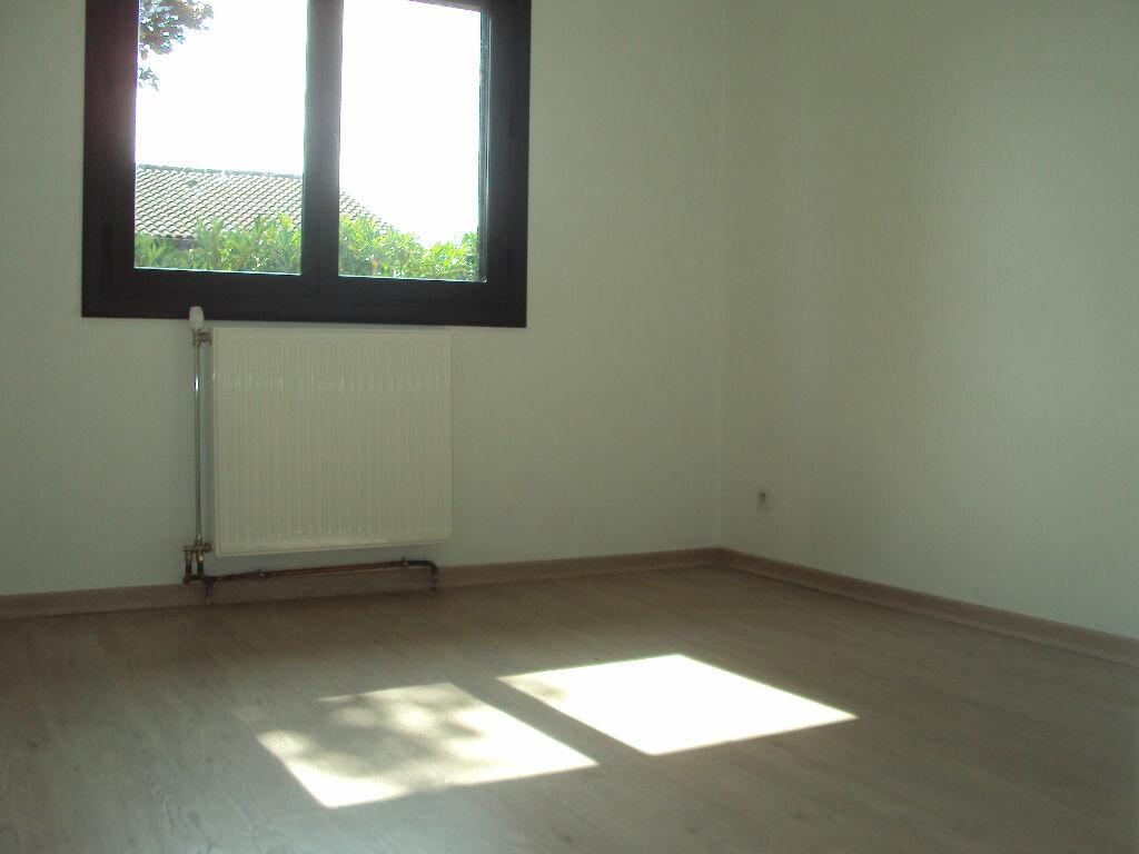 Maison à louer 4 90m2 à Mont-de-Marsan vignette-4