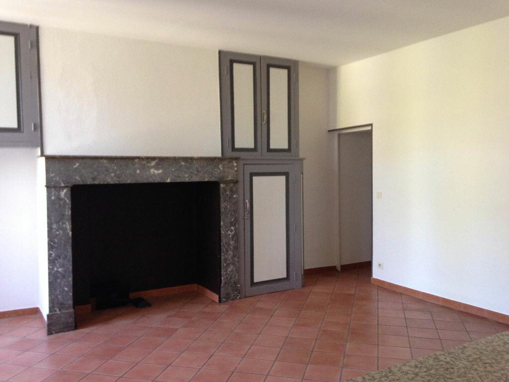 Appartement à louer 2 52m2 à Mont-de-Marsan vignette-2