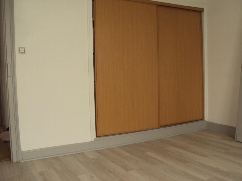 Maison à louer 4 80.07m2 à Mont-de-Marsan vignette-6