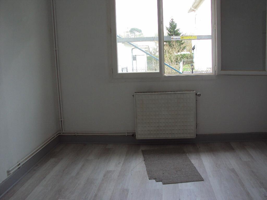 Maison à louer 4 80.07m2 à Mont-de-Marsan vignette-7