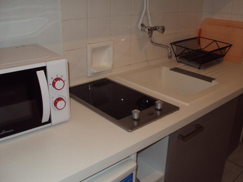 Appartement à louer 1 19m2 à Mont-de-Marsan vignette-6
