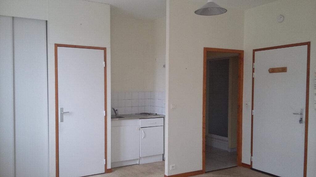 Appartement à louer 1 26m2 à Morcenx vignette-1