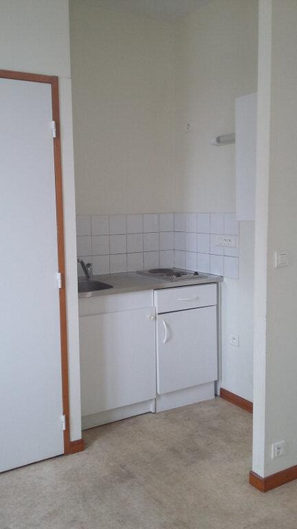 Appartement à louer 1 26m2 à Morcenx vignette-3