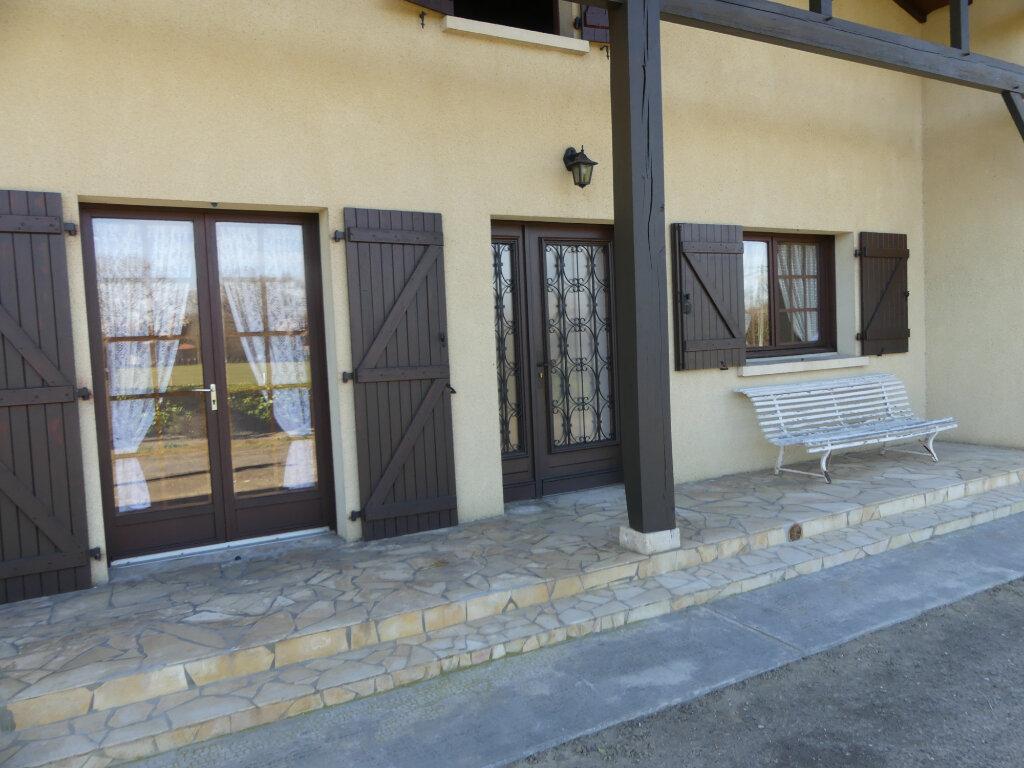 Maison à louer 4 93m2 à Gabarret vignette-9