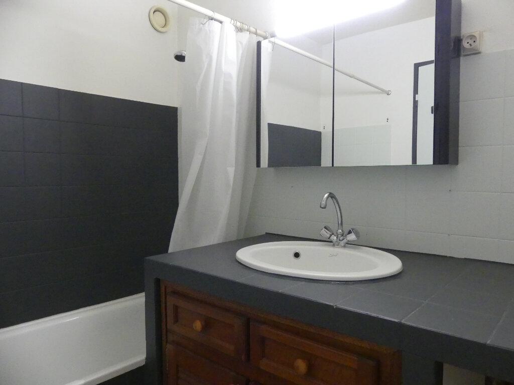 Appartement à louer 3 78m2 à Mont-de-Marsan vignette-7