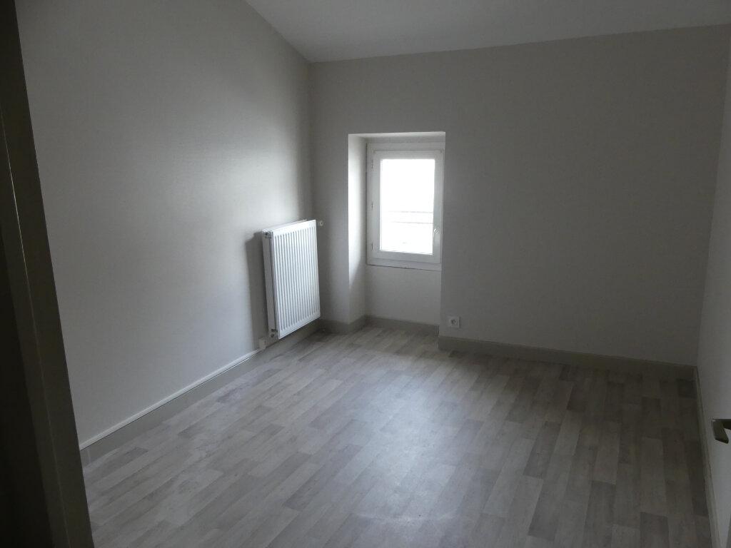 Appartement à louer 3 58m2 à Mont-de-Marsan vignette-4