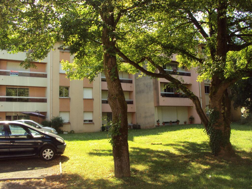Appartement à louer 2 47m2 à Mont-de-Marsan vignette-4