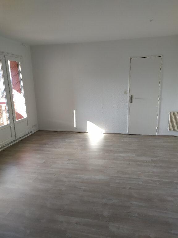 Appartement à louer 2 44m2 à Mont-de-Marsan vignette-5