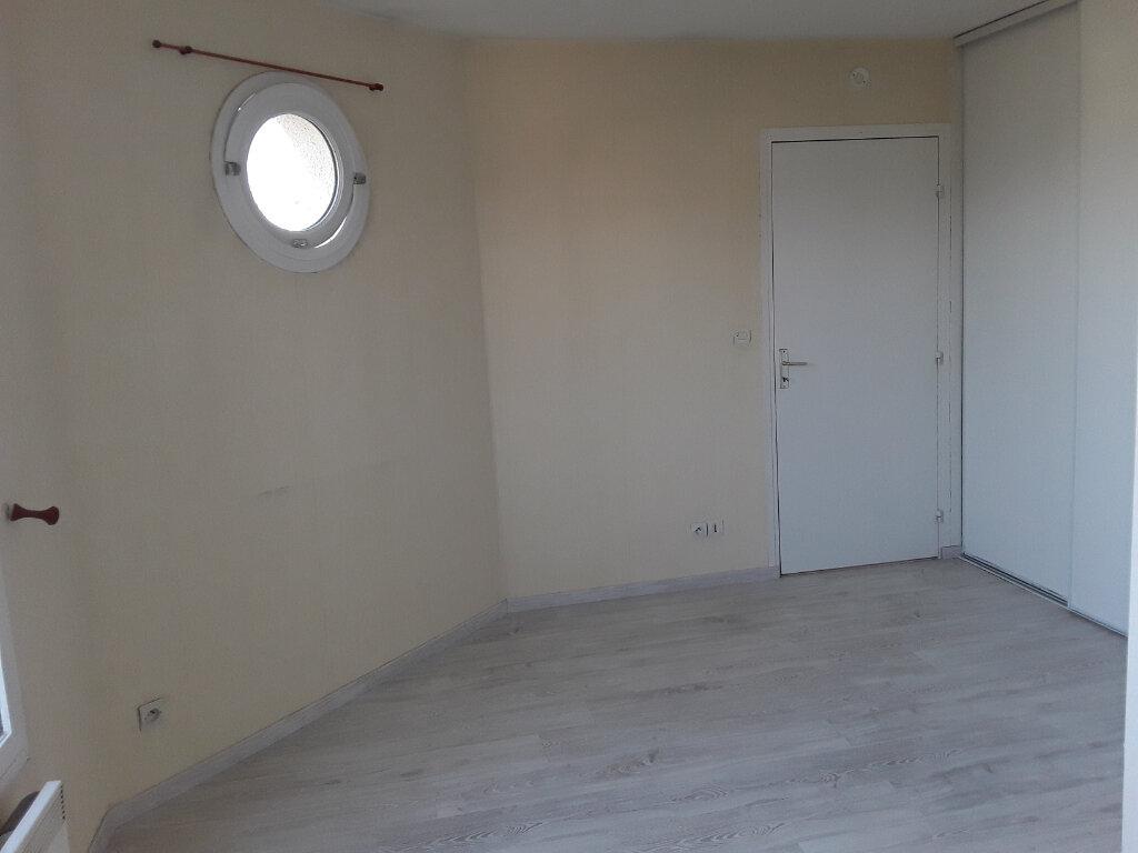 Appartement à louer 2 37.11m2 à Pont-l'Évêque vignette-3