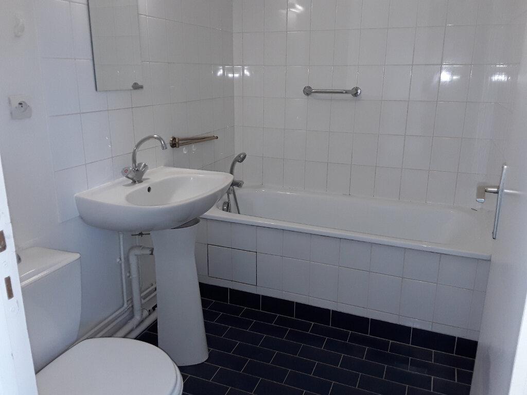 Appartement à louer 2 37.11m2 à Pont-l'Évêque vignette-7