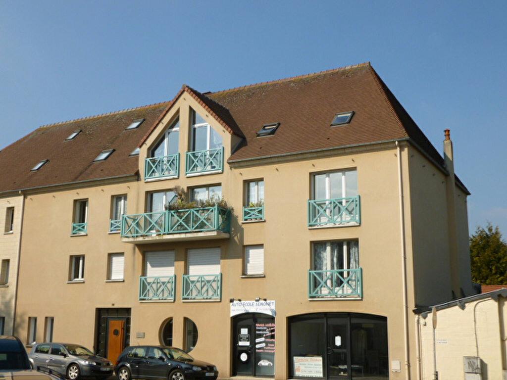 Appartement à louer 2 50.43m2 à Pont-l'Évêque vignette-1