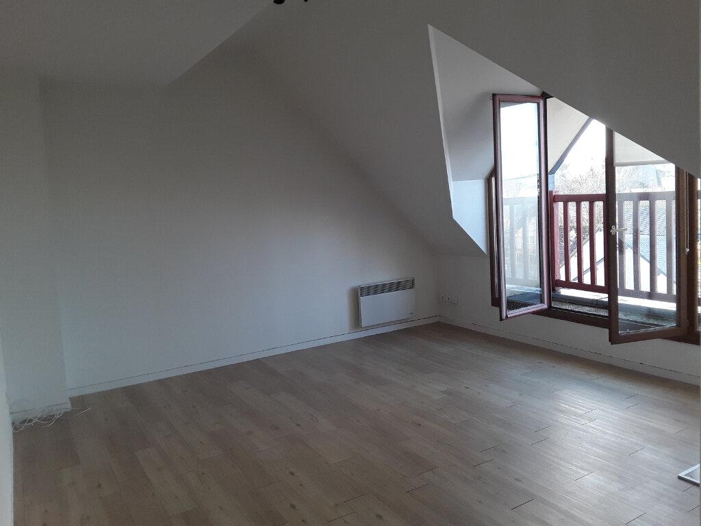 Appartement à louer 2 27m2 à Pont-l'Évêque vignette-1