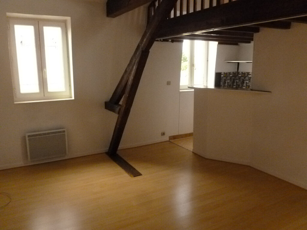 Appartement à louer 2 28.3m2 à Pont-l'Évêque vignette-2