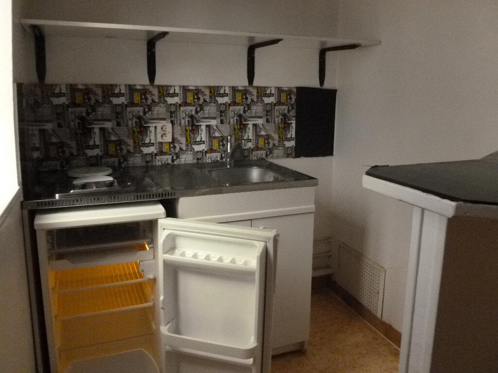 Appartement à louer 2 28.3m2 à Pont-l'Évêque vignette-4