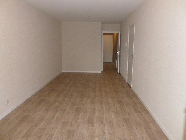 Appartement à louer 3 62.37m2 à Pont-l'Évêque vignette-2