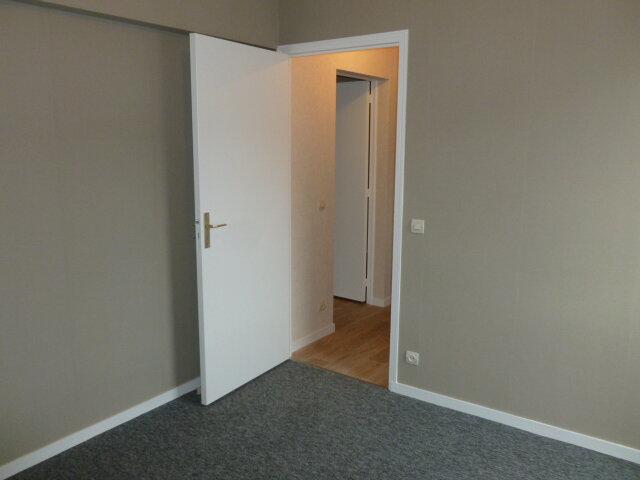 Appartement à louer 3 62.37m2 à Pont-l'Évêque vignette-4